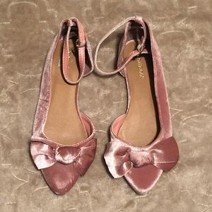 Woman's velvet flats with bow 7.5